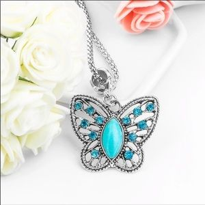 🍂🦋Turquoise Blue Stone Butterfly Necklace🍂🦋
